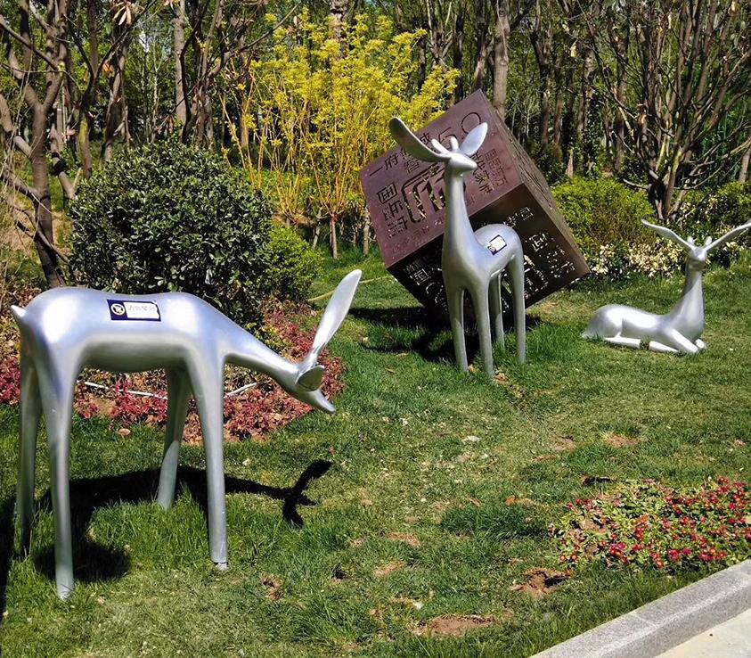 草坪雕塑不锈钢鹿