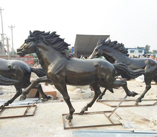 玻璃钢雕塑塑型非常细腻