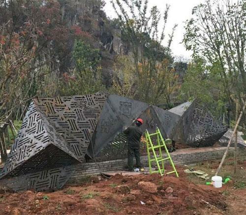 耐候钢镂空异形雕塑